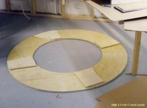 Fundament for helix (3 spors) ble laget av 18 mm finér.
